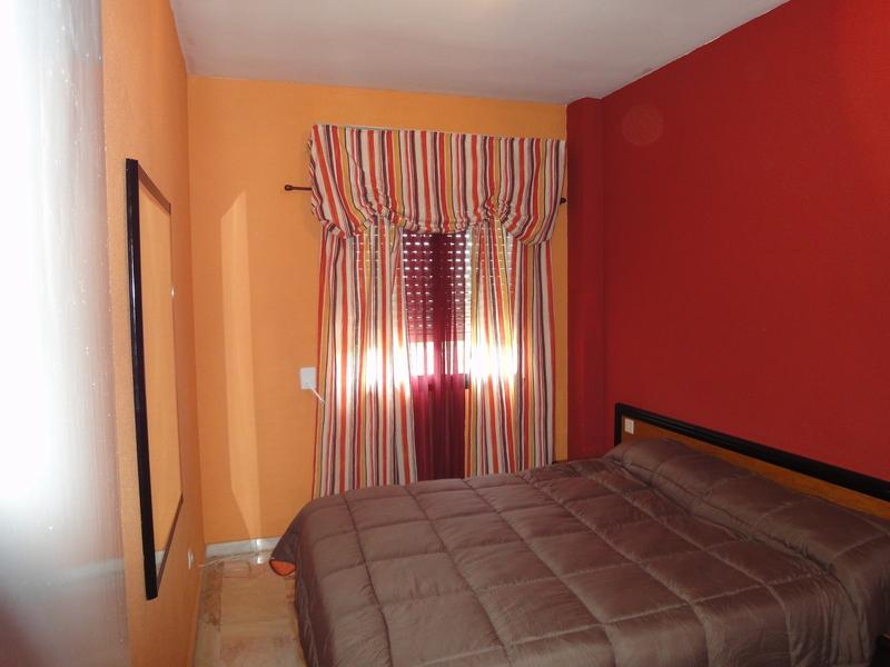 Dormitorio - Piso en alquiler en calle Alcalde Luis Uruñuela, Este - Alcosa - Torreblanca en Sevilla - 121024628