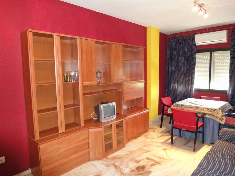 Salón - Piso en alquiler en calle Alcalde Luis Uruñuela, Este - Alcosa - Torreblanca en Sevilla - 121024630
