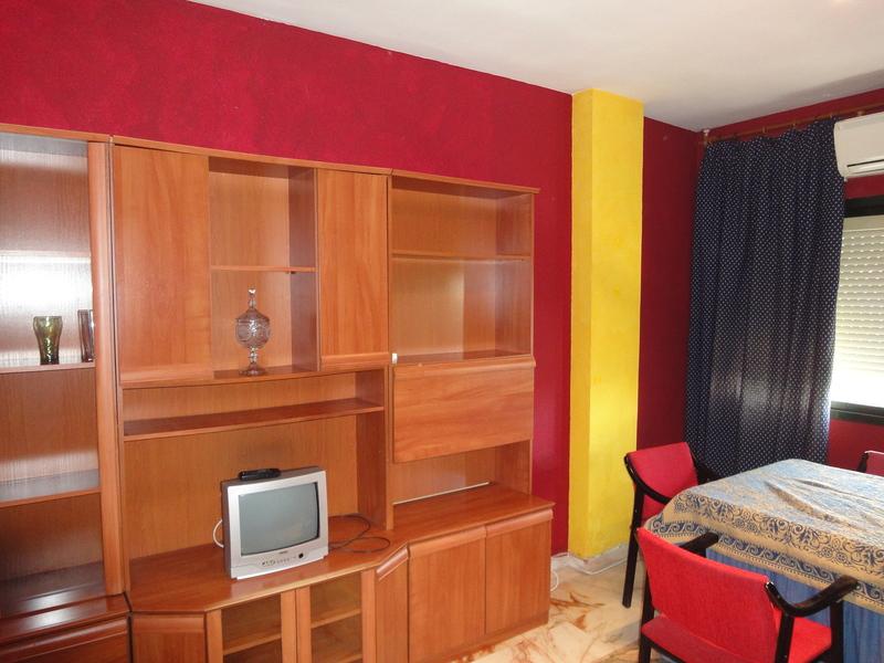 Salón - Piso en alquiler en calle Alcalde Luis Uruñuela, Este - Alcosa - Torreblanca en Sevilla - 121024632