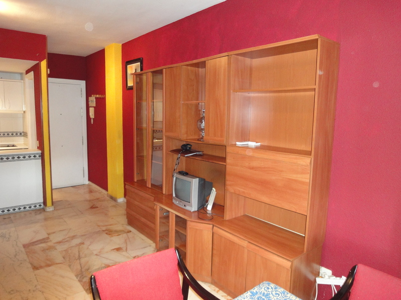 Salón - Piso en alquiler en calle Alcalde Luis Uruñuela, Este - Alcosa - Torreblanca en Sevilla - 121024637