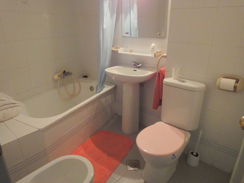 Baño - Estudio en alquiler en calle Alcalde Luis Uruñuela, Este - Alcosa - Torreblanca en Sevilla - 121087255