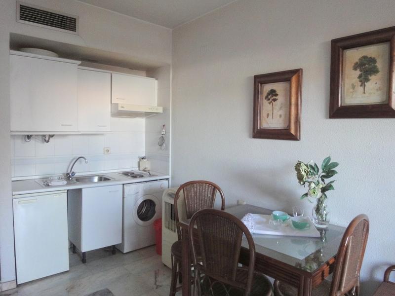 Cocina - Estudio en alquiler en calle Alcalde Luis Uruñuela, Este - Alcosa - Torreblanca en Sevilla - 121087272