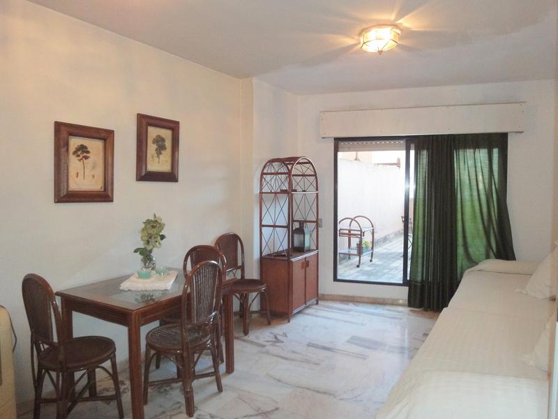 Salón - Estudio en alquiler en calle Alcalde Luis Uruñuela, Este - Alcosa - Torreblanca en Sevilla - 121087334