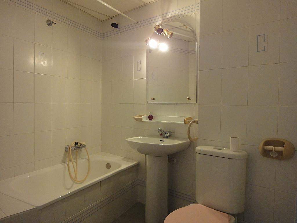 Baño - Estudio en alquiler en calle Alcalde Luis Uruñuela, Este - Alcosa - Torreblanca en Sevilla - 145652119