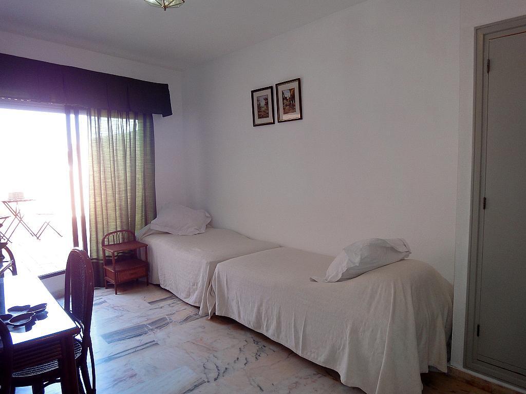 Dormitorio - Estudio en alquiler en calle Alcalde Luis Uruñuela, Este - Alcosa - Torreblanca en Sevilla - 145652157