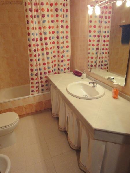 Baño - Apartamento en alquiler en calle Alcalde Luis Uruñuela, Este - Alcosa - Torreblanca en Sevilla - 121088985