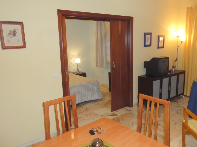 Salón - Apartamento en alquiler en calle Alcalde Luis Uruñuela, Este - Alcosa - Torreblanca en Sevilla - 121089042