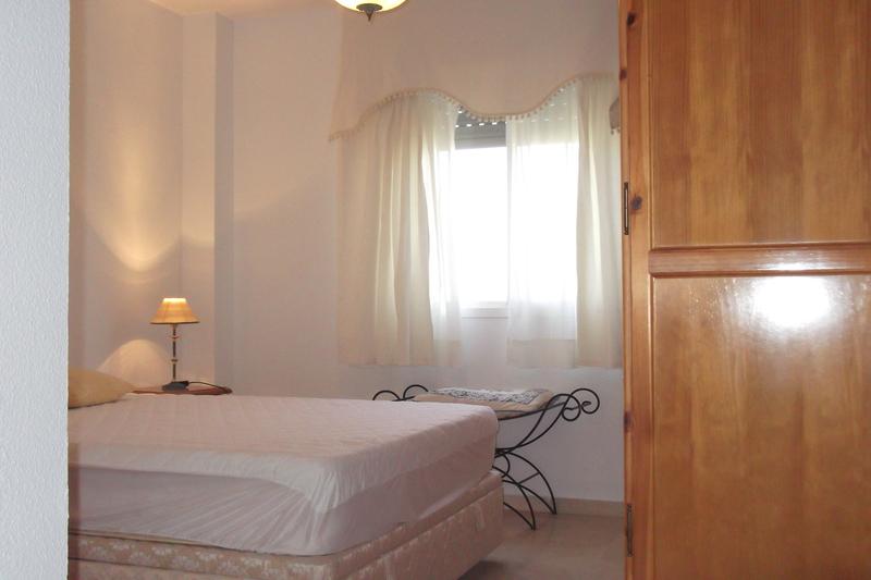Dormitorio - Piso en alquiler en calle Deporte, Este - Alcosa - Torreblanca en Sevilla - 121424523