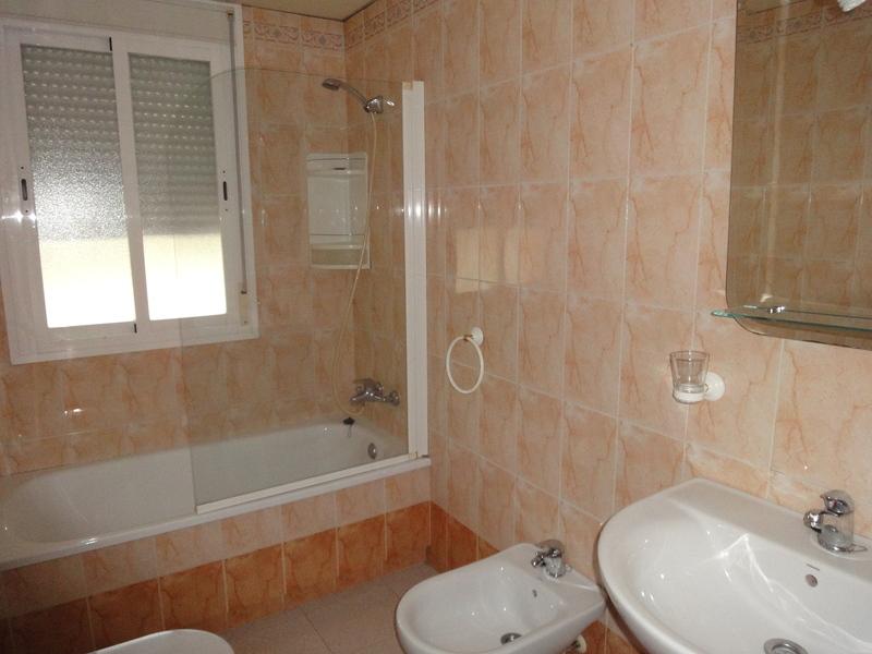 Baño - Piso en alquiler en calle Alcalde Luis Uruñuela, Entrepuentes en Sevilla - 121543880