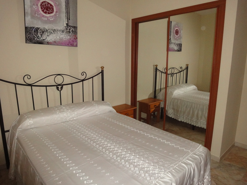 Dormitorio - Piso en alquiler en calle Alcalde Luis Uruñuela, Entrepuentes en Sevilla - 121543894