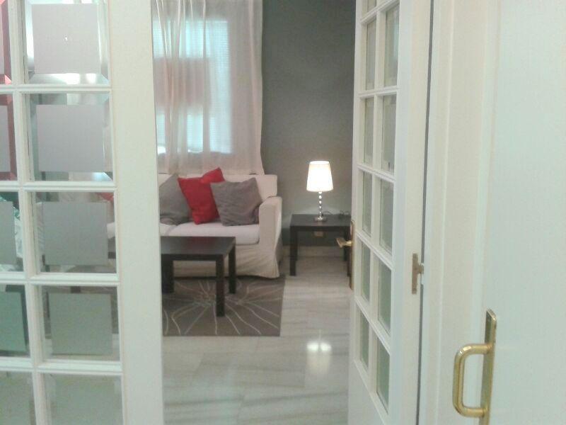 Dormitorio - Piso en alquiler en calle Alcalde Luis Uruñuela, Entrepuentes en Sevilla - 121656241
