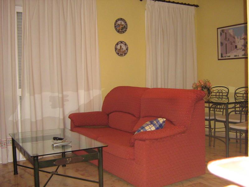 Piso en alquiler en calle Alcalde Luis Uruñuela, Este - Alcosa - Torreblanca en Sevilla - 122295013