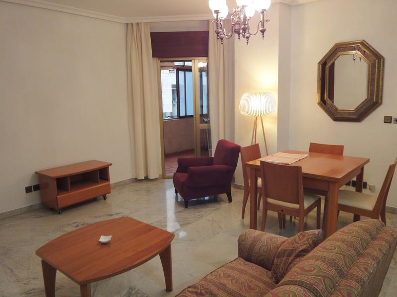 Piso en alquiler en calle Ramon y Cajal Sector, Nervión en Sevilla - 123336174