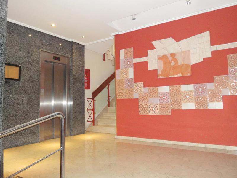 Piso en alquiler en calle Ramon y Cajal Sector, Nervión en Sevilla - 123336200