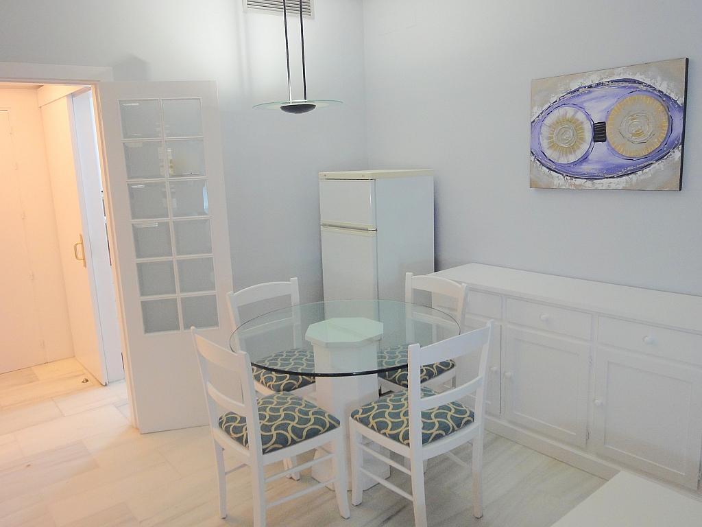 Piso en alquiler en calle Alcalde Luis Uruñuela, Este - Alcosa - Torreblanca en Sevilla - 127012504