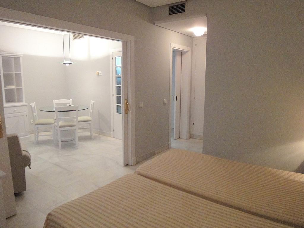 Dormitorio - Apartamento en alquiler en calle Alcalde Luis Uruñuela, Entrepuentes en Sevilla - 127135266