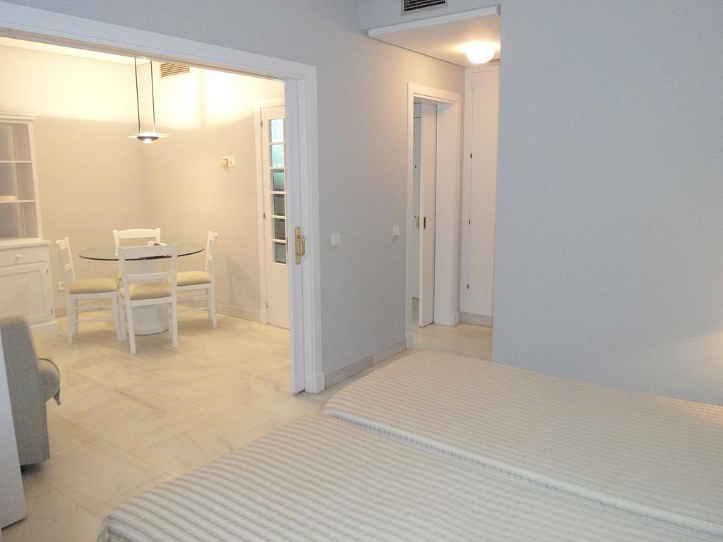 Salón - Apartamento en alquiler en calle Alcalde Luis Uruñuela, Entrepuentes en Sevilla - 127135267