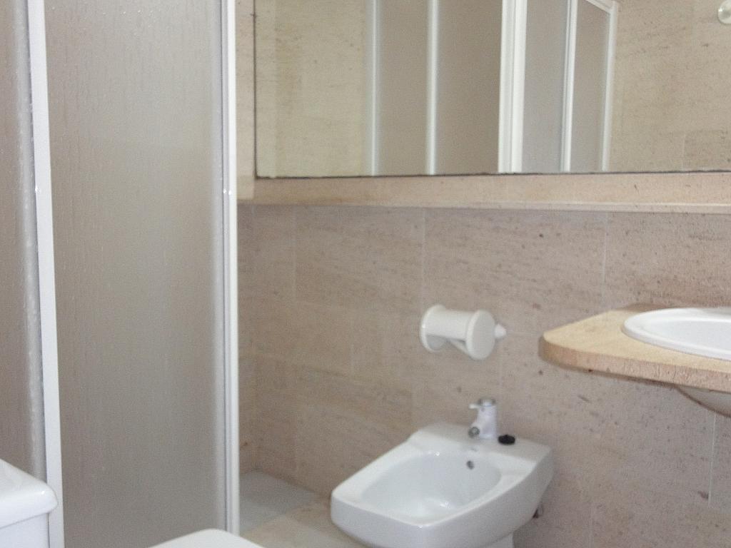 Baño - Apartamento en alquiler en calle Alcalde Luis Uruñuela, Entrepuentes en Sevilla - 127135274
