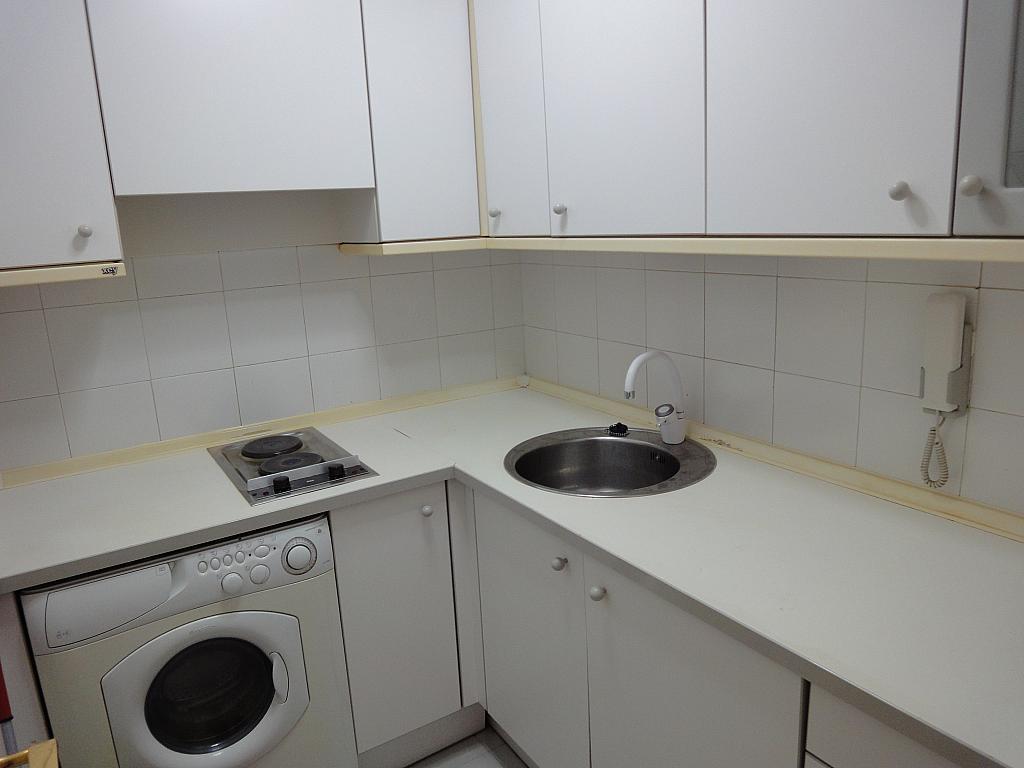 Cocina - Apartamento en alquiler en calle Avd de Las Ciencias, Av. Ciencias-Emilio Lemos en Sevilla - 135100000