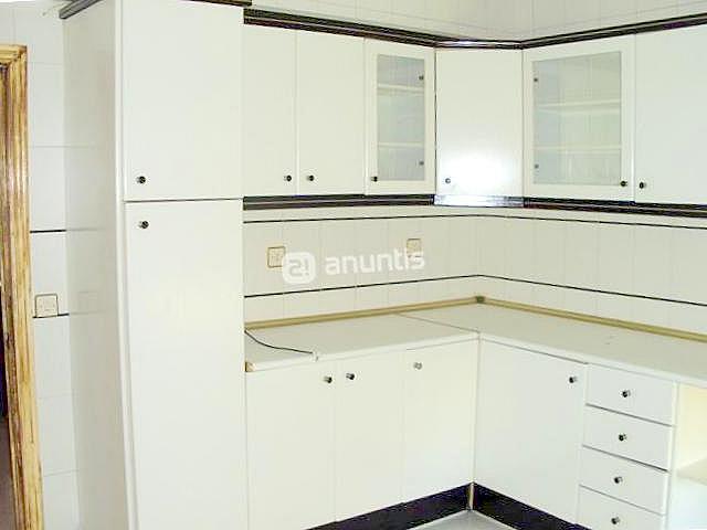 Cocina - Piso en alquiler en calle Samaniego, Nervión en Sevilla - 136678700