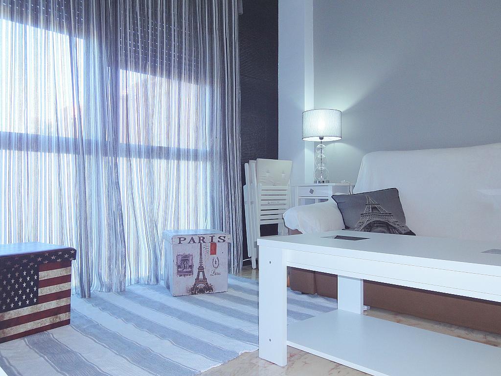 Salón - Apartamento en alquiler en calle Alcalde Luis de Uruñuelas, Este - Alcosa - Torreblanca en Sevilla - 140683209