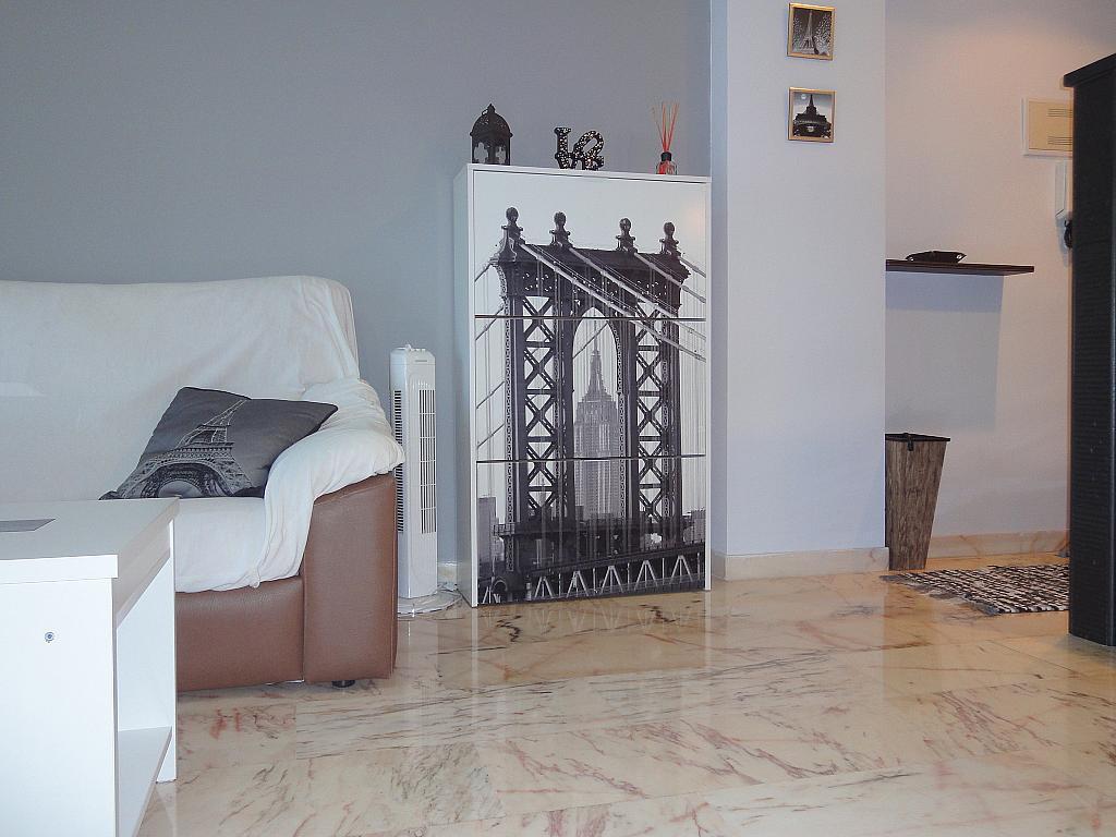 Salón - Apartamento en alquiler en calle Alcalde Luis de Uruñuelas, Este - Alcosa - Torreblanca en Sevilla - 140683217