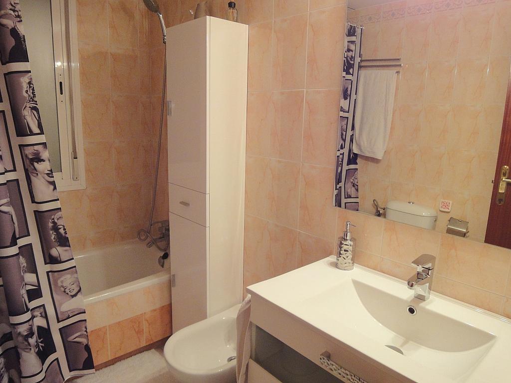Baño - Apartamento en alquiler en calle Alcalde Luis de Uruñuelas, Este - Alcosa - Torreblanca en Sevilla - 140683669