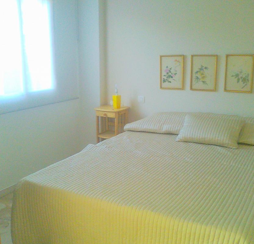 Dormitorio - Apartamento en alquiler en calle Alcalde Luis Uruñuelas, Av. Ciencias-Emilio Lemos en Sevilla - 141544451