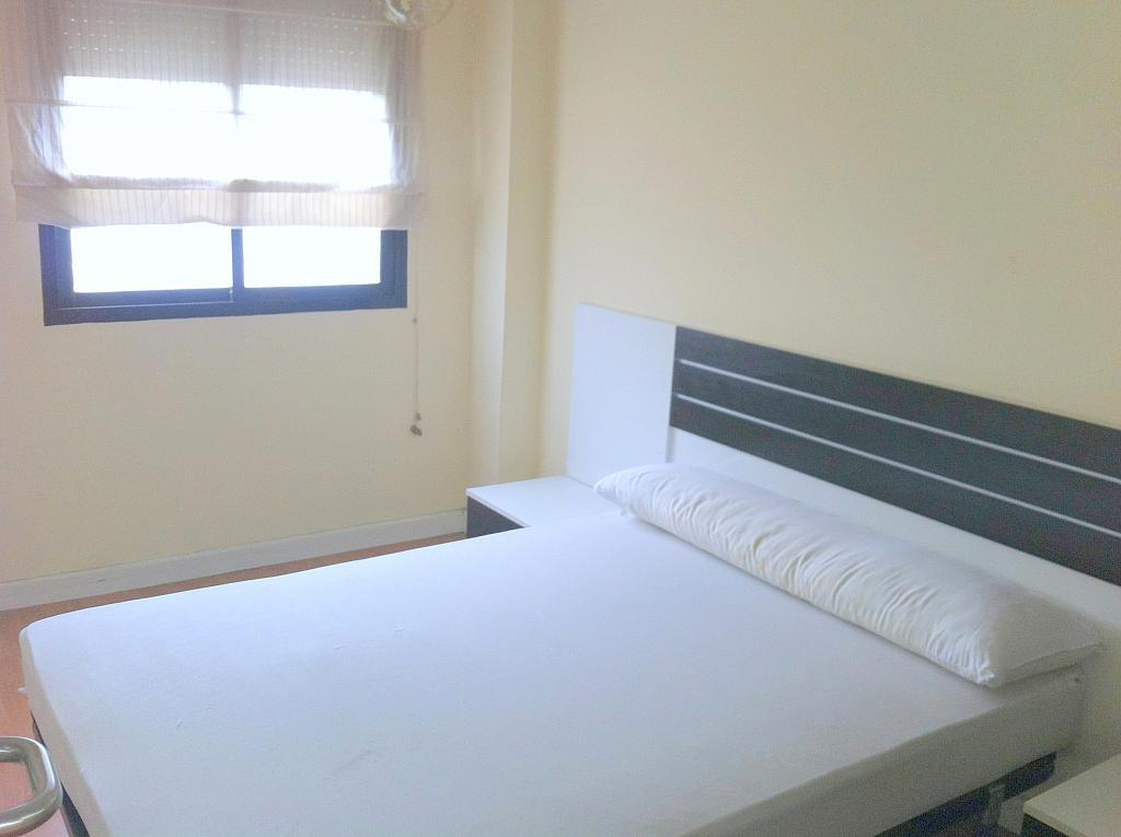 Apartamento en alquiler en calle Alcalde Luis de Uruñuelas, Av. Ciencias-Emilio Lemos en Sevilla - 143724300