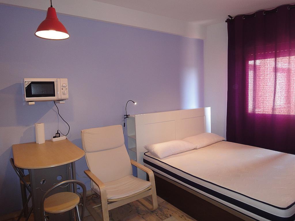 Dormitorio - Piso en alquiler en calle Alcalde Luis Uruñuela, Este - Alcosa - Torreblanca en Sevilla - 144569846