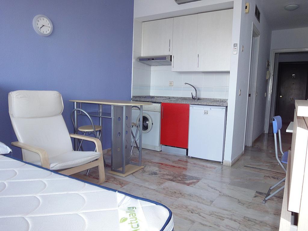 Cocina - Piso en alquiler en calle Alcalde Luis de Uruñuelas, Entrepuentes en Sevilla - 145041931