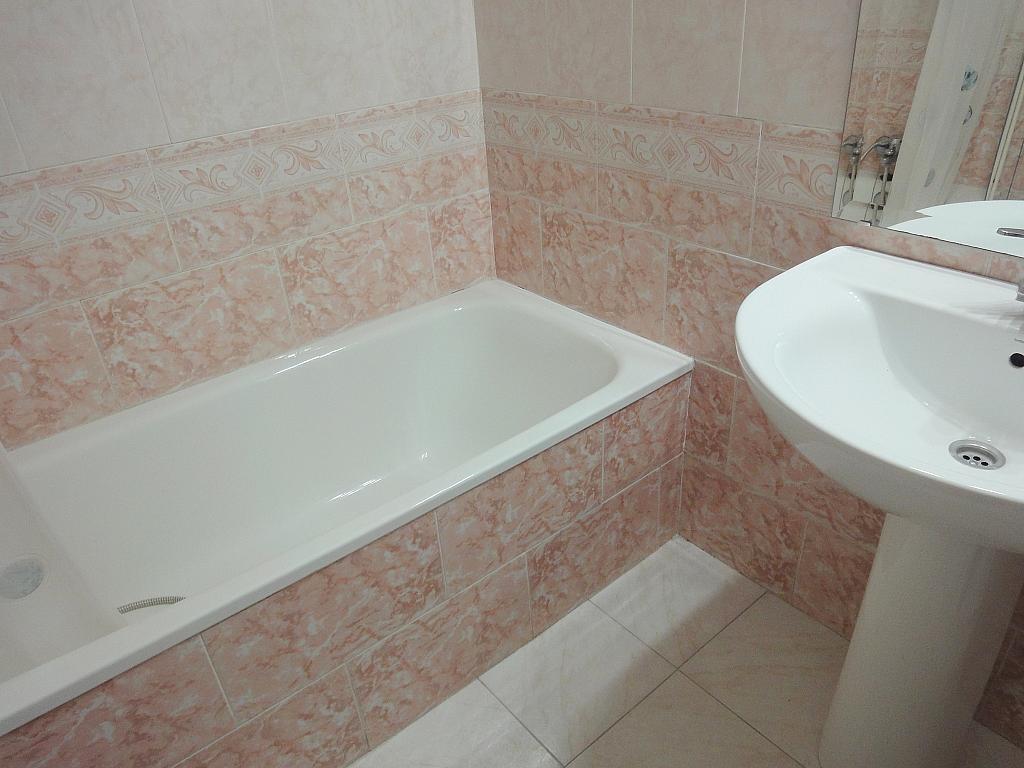 Baño - Piso en alquiler en calle Avd de Las Ciencias, Av. Ciencias-Emilio Lemos en Sevilla - 146403913