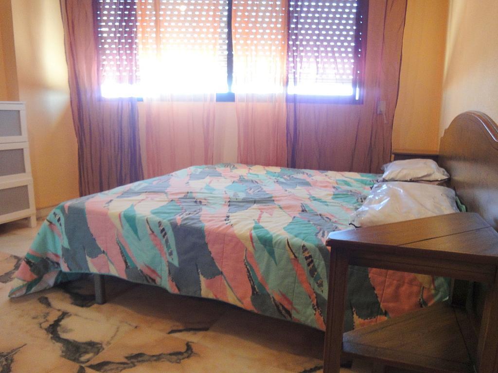 Dormitorio - Estudio en alquiler en calle Avd Alcalde Luis de Uruñuela, Av. Ciencias-Emilio Lemos en Sevilla - 146409417