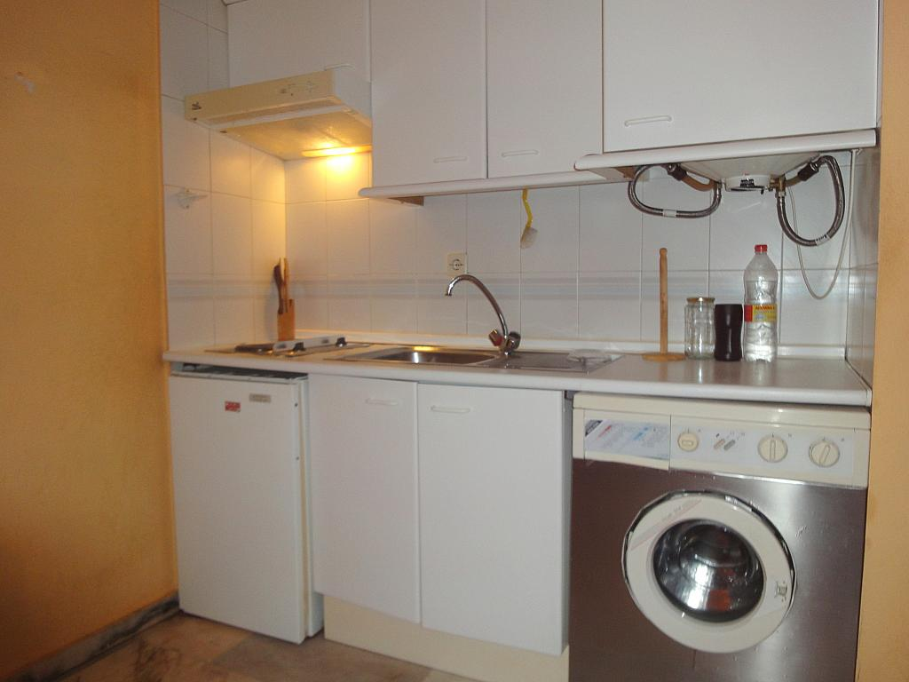 Cocina - Estudio en alquiler en calle Avd Alcalde Luis de Uruñuela, Av. Ciencias-Emilio Lemos en Sevilla - 146409565