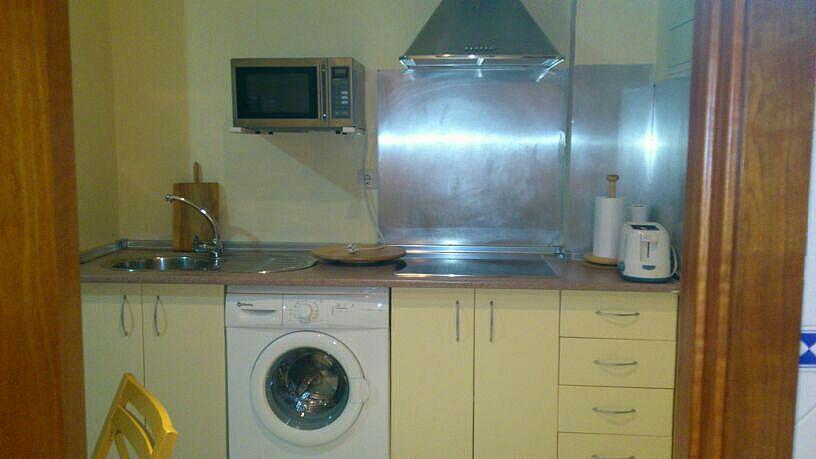 Cocina - Estudio en alquiler en calle Alcalde Luis de Uruñuelas, Av. Ciencias-Emilio Lemos en Sevilla - 150512730