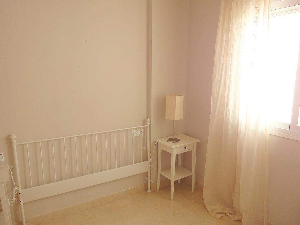 Dormitorio - Piso en alquiler en calle Goya, Nervión en Sevilla - 150843760