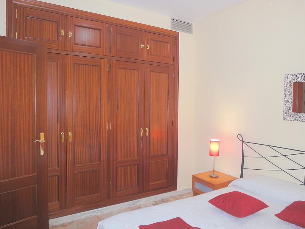 Dormitorio - Apartamento en alquiler en calle Alcalde Luis de Uruñuelas, Av. Ciencias-Emilio Lemos en Sevilla - 153950203