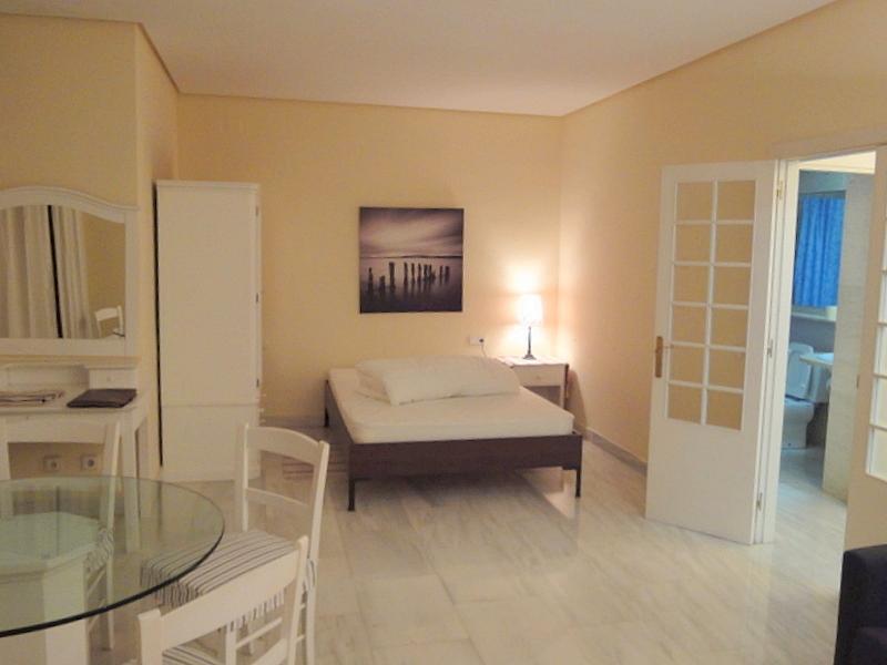 Dormitorio - Piso en alquiler en calle Alcalde Luis de Uruñuelas, Este - Alcosa - Torreblanca en Sevilla - 159020565