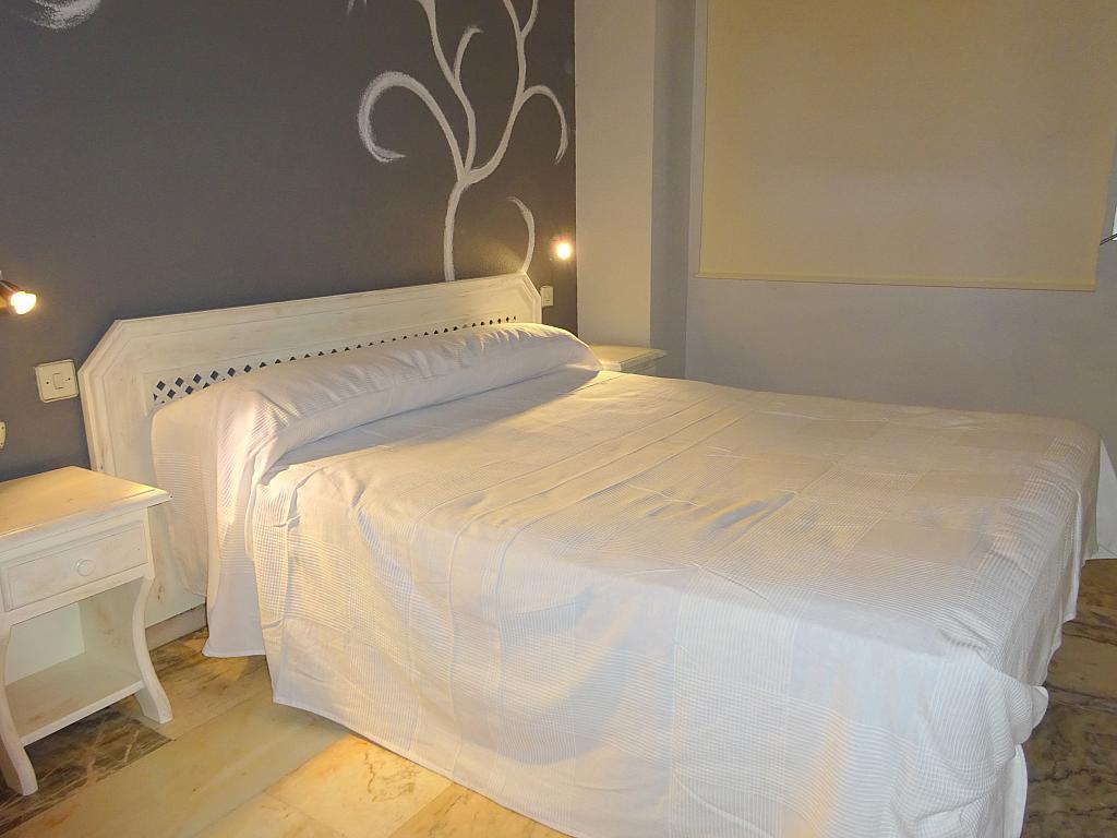 Dormitorio - Apartamento en alquiler en calle Alcalde Luis de Uruñuelas, Av. Ciencias-Emilio Lemos en Sevilla - 159387065
