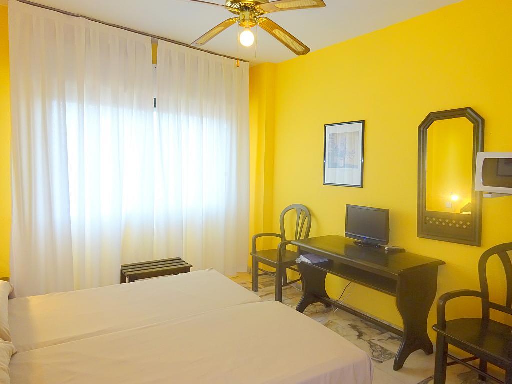 Dormitorio - Estudio en alquiler en calle Alcalde Luis Uruñuela, Este - Alcosa - Torreblanca en Sevilla - 167846250