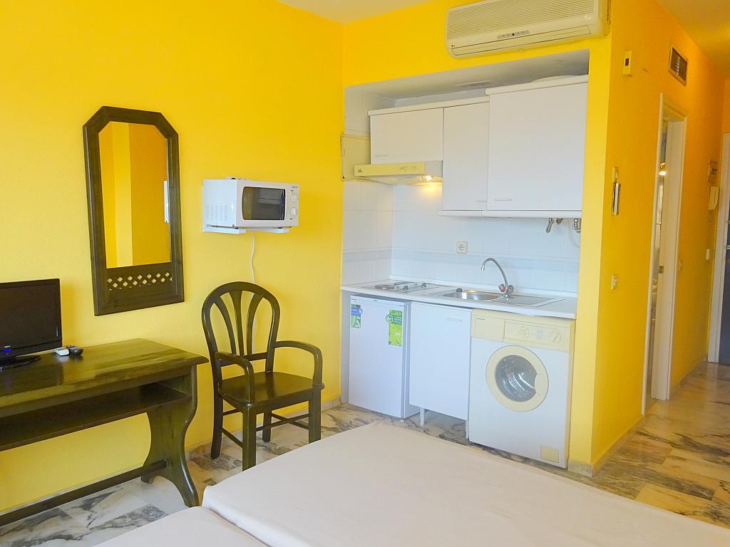 Cocina - Estudio en alquiler en calle Alcalde Luis Uruñuela, Este - Alcosa - Torreblanca en Sevilla - 167846348