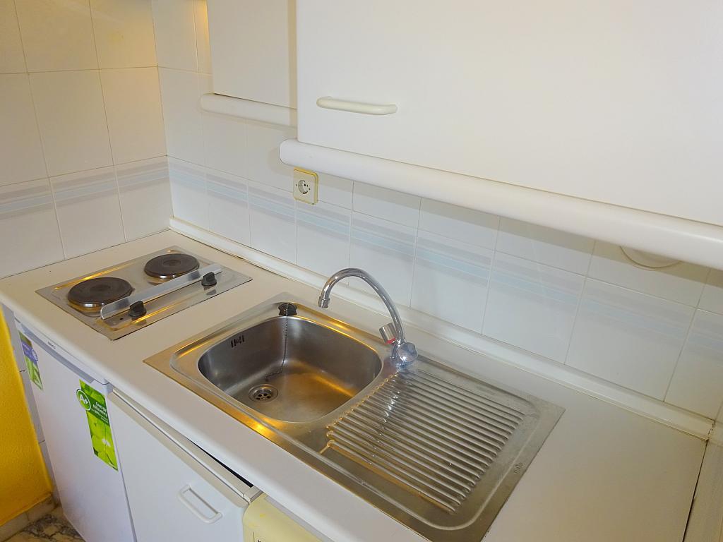 Cocina - Estudio en alquiler en calle Alcalde Luis Uruñuela, Este - Alcosa - Torreblanca en Sevilla - 167846359