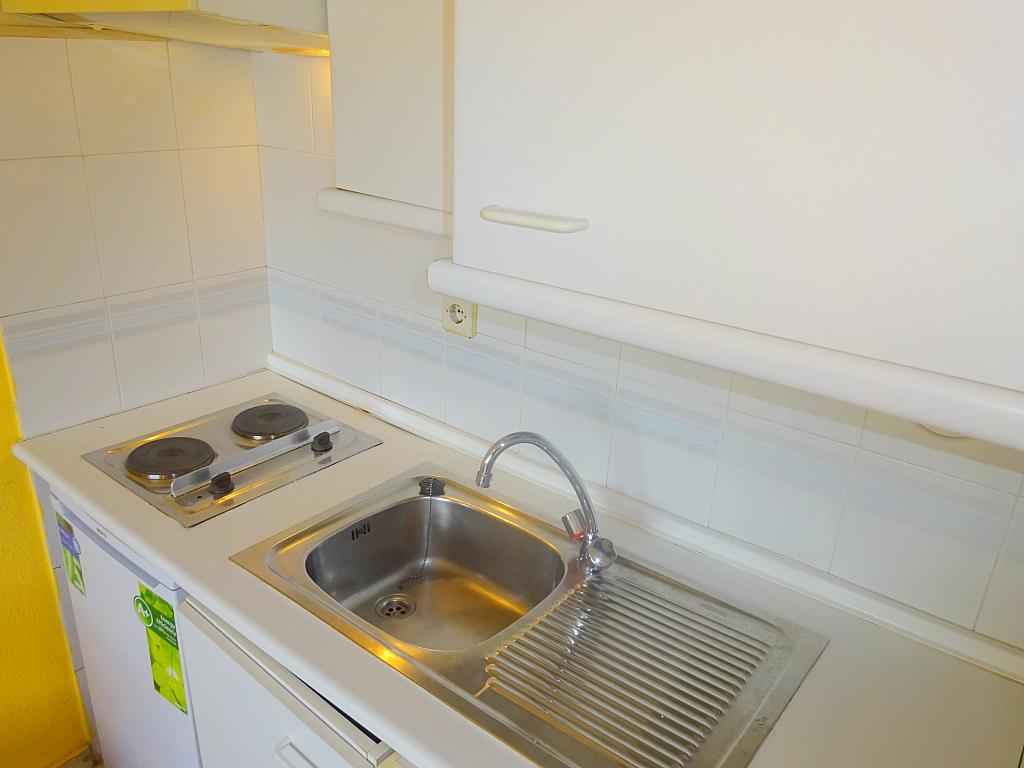 Cocina - Estudio en alquiler en calle Alcalde Luis Uruñuela, Este - Alcosa - Torreblanca en Sevilla - 167846370