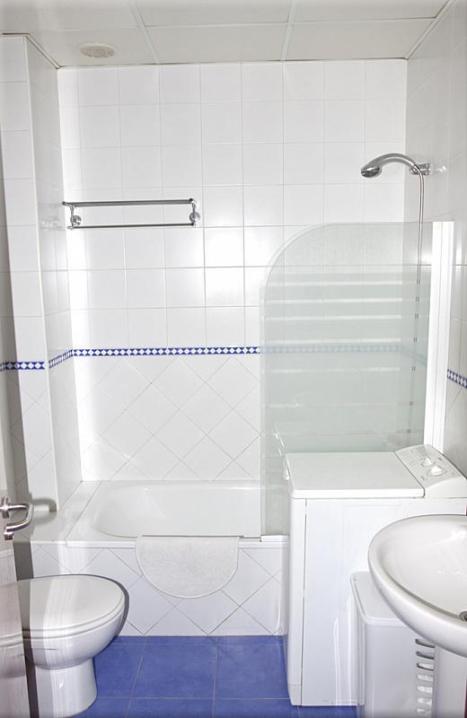 Baño - Estudio en alquiler en calle Alcalde Luis Uruñuela, Este - Alcosa - Torreblanca en Sevilla - 162787548
