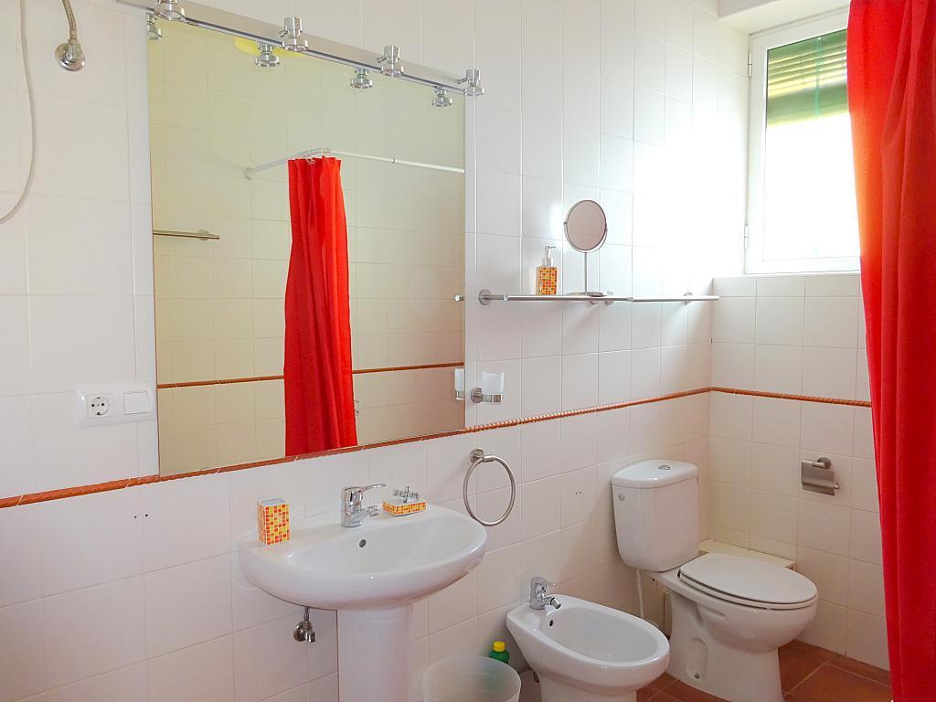 Baño - Piso en alquiler en calle Carmona, La Florida en Sevilla - 165058578
