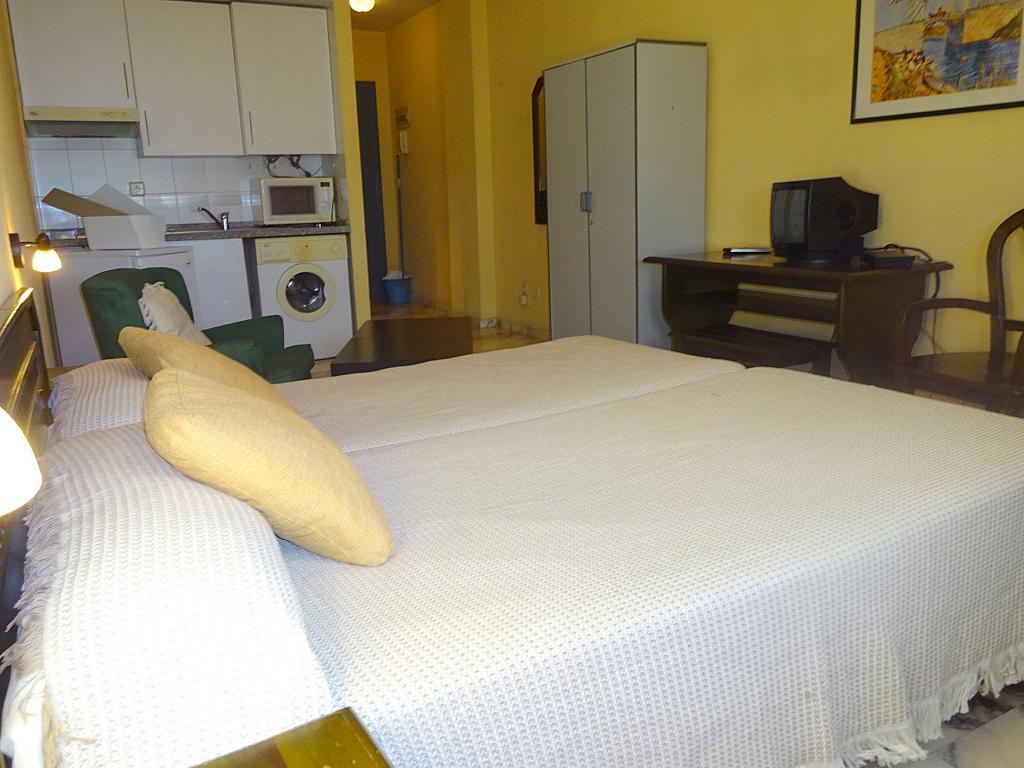 Dormitorio - Estudio en alquiler en calle Alcalde Luis Uruñuela, Entrepuentes en Sevilla - 165830000