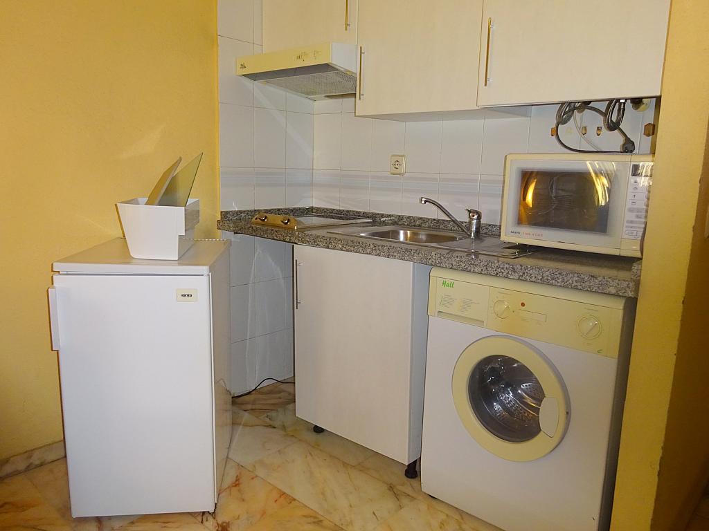 Cocina - Estudio en alquiler en calle Alcalde Luis Uruñuela, Entrepuentes en Sevilla - 165830014