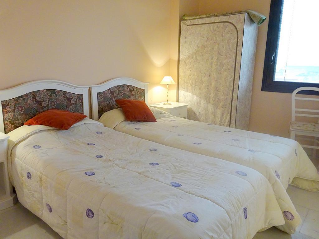Dormitorio - Apartamento en alquiler en calle Alcalde Luis Uruñuela, Este - Alcosa - Torreblanca en Sevilla - 166938486