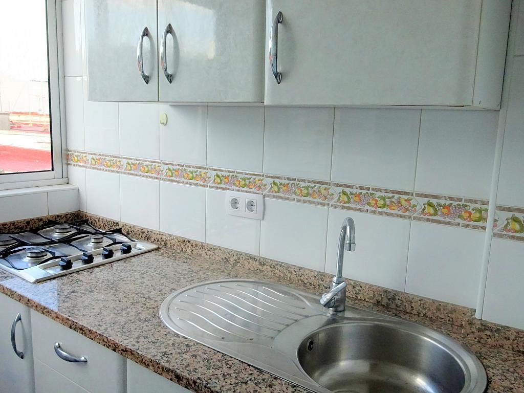 Cocina - Piso en alquiler en calle Lopez de Gomara, El Tardón en Sevilla - 166948427