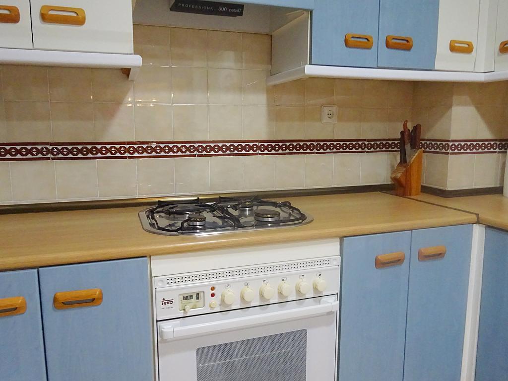Piso en alquiler en calle Altamira, Entrepuentes en Sevilla - 167494423